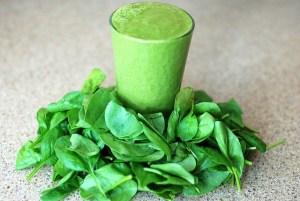 Grüner Smoothie - aus grünem Blattgemüse
