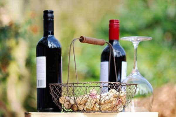 Den richtigen Korken für den Wein verwenden