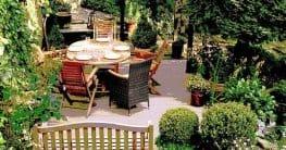 Eine Hausbar im Garten einrichten